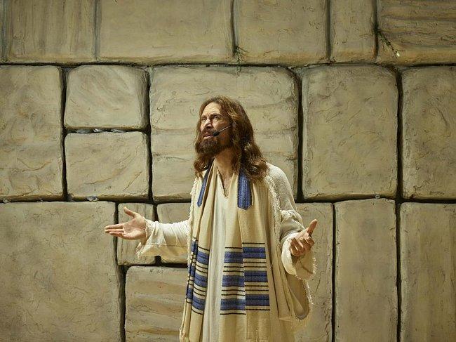 Už deset let hraje Michael Job Ježíše v tematickém parku Holy Land Experience (Zážitek ze Svaté země) v Orlandu na Floridě.