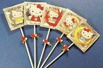 Hello Kitty kondomy nabízejí nejrůznější příchutě.