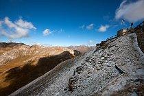 Na nejvyšším místě Edelweißspitze (2571 m n. m.) je tlak vzduchu o čtvrtinu nižší, než jsme zvyklí a voda zde tak vaří už při 87 stupních. Sněhový poprašek se zde může objevit v jakémkoli ročním obdob