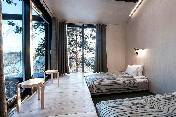 Apartmá je celé vkontrastu černých a světlých barev.