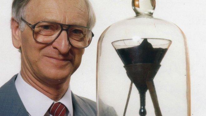 Nejdelší vědecký experiment trvá od roku 1927. Teď ho sledujte ONLINE