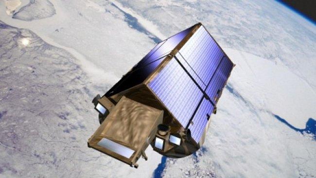 Satelit zmapoval tloušťku arktického ledu. Hlavně kvůli ropě