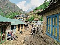 Cesta do základního tábora Mt. Everestu je nejfrekventovanějším trekem v Himálaji.