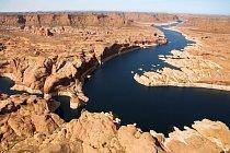 Jeden z nejkrásnějších kaňonů na světě najdete v americkém Utahu. Vytvořila jej řeka Colorado.
