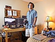 """Kyle, rok 2016: """"Dnes má můj život větší řád. Pracuji jako inženýr v oblasti informačních technologií a chci spustit svůj start-up. Zatím žiju s rodiči, ale chtěl bych si pořídit něco svého. Kdybych tehdy věděl, co vím dnes, investoval bych do Googlu."""""""