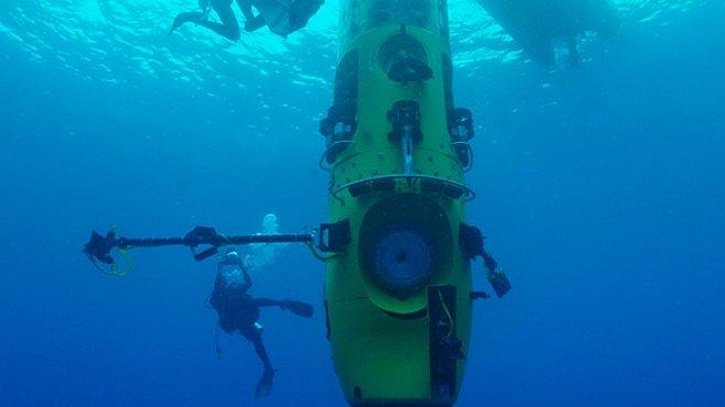 Režisér Cameron se chystá do největší mořské hlubiny.  Pro National Geographic