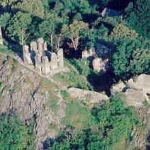 Zřícenina gotického hradu Andělská Hora - původně zvaného Engelsburg z konce 14. století. Stojí na místě sopky, která vyčnívá nad okolní krajinou.