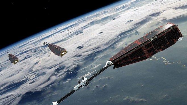 Magnetické pole Země slábne, potvrdily satelity