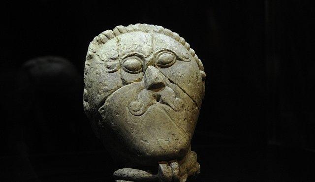 Keltská hlava oslavila 70. výročí od znovuobjevení na Rakovnicku