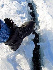 Sníh na silné vrstvě ledu