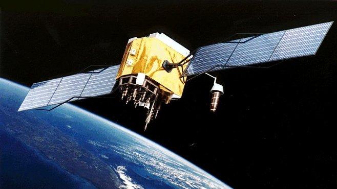 Kosmický odpad kolem Země má cenu bilionů. Armáda ví, jak ho využít