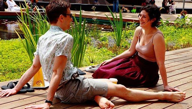 Sexting, trubadůři a vztahy na dálku
