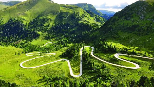 Karlbad najdete na Nockalmstrasse, 35 km dlouhé panoramatické alpské silnici, na turistické zastávce číslo osm směrem z Innerkremsu.