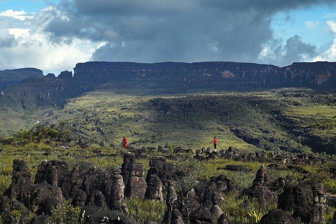 Na této části náhorní plošiny Akopánu byli expedičníci prvními lidmi, kteří zde stanuli.