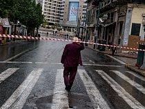 Ulice kolem athénského náměstí Omonia byly kdysi elegantními nákupními bulváry, ale dnes působí melancholicky.