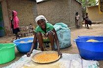 Pěstuje se tu zejména maniok nebo kukuřice. Častým jídlem chudých lidí je nevýživná kaše funge.