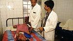Bangladéš se 120 milony obyvatel má jen čtyři chirurgy specializující se na plastické operace.