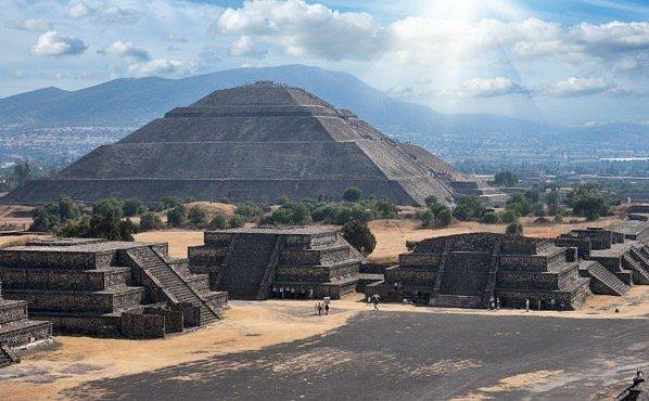 Pyramida Slunce v mexickém Teotihuacánu odkryla tajemství: původní oběti