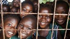 V Sierra Leone přestává být válečná minulost vidět. Zbídačená země se zvedá ze dna