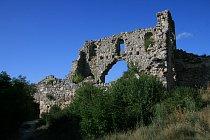 Ruiny citadely v Mangup-Kale