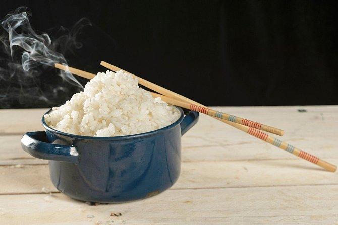 Rýže setá je nejdůležitější obilovinou světa. Jako hlavní příjem potravy ji má asi 1/4 obyvatel zeměkoule.