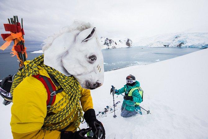 Vroce 2013byl Mike Libecki časopisem National Geographic zvolen dobrodruhem roku.