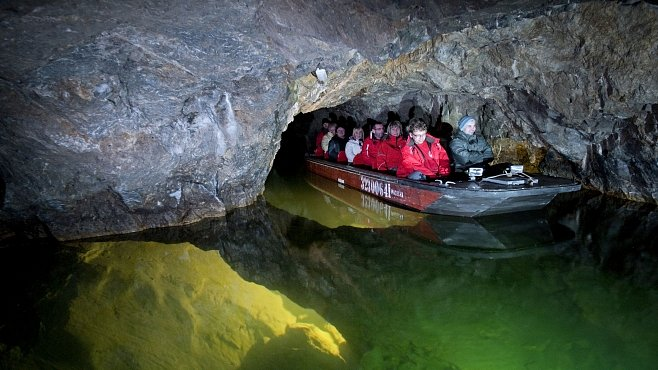Punkevní jeskyně. Jak se zpřístupniliy podzemní prostory? Odstřelováním a odčerpáváním vody