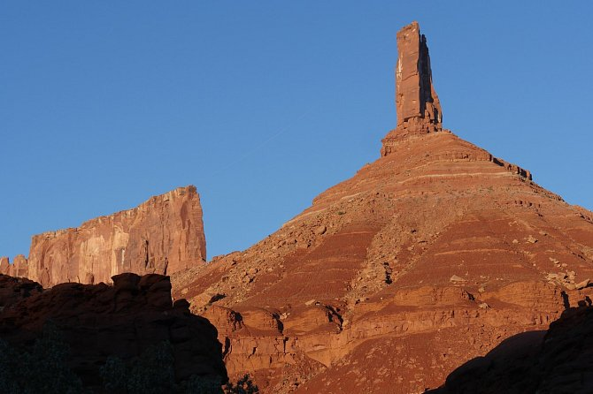 Castleton Tower (120m) uměsta Moab vUtahu