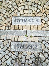 Jeden krok, a budu na Moravě