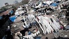 Dhobi Ghat je největší prádelna světa. A perou tam jen muži