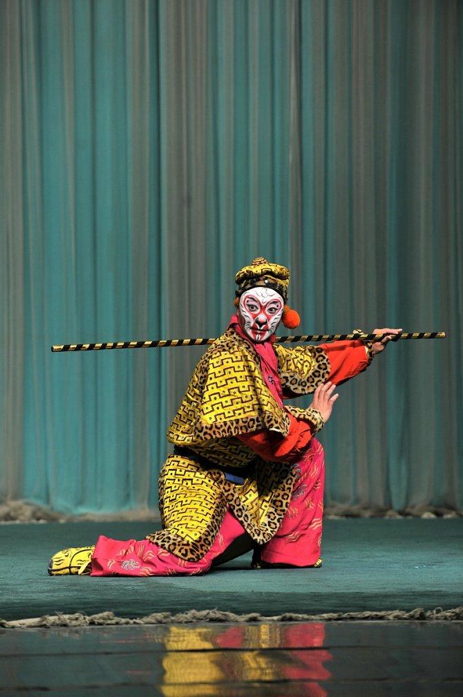 Songfest letos uvítá dva mistry pekingské opery sukázkou ztradičního představení Opičí král.