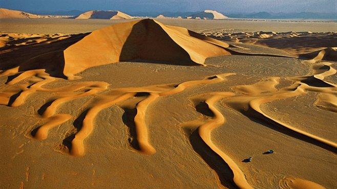 Proleťte se nad dunami v Číně, Íránu nebo Peru. EXKLUZIVNĚ PRO NG