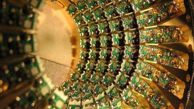 Až 3600krát rychlejší kvantový počítač si objednala NASA s Googlem