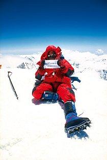 vystoupil jsem jako druhý Čech bez použití kyslíkového přístroje na nejvyšší horu světa - Mt. Everest (8848 m) v roce 1998