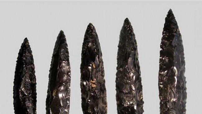 Zbytky lidské tkáně na obětních nožích potvrzují praktiky lidských obětí