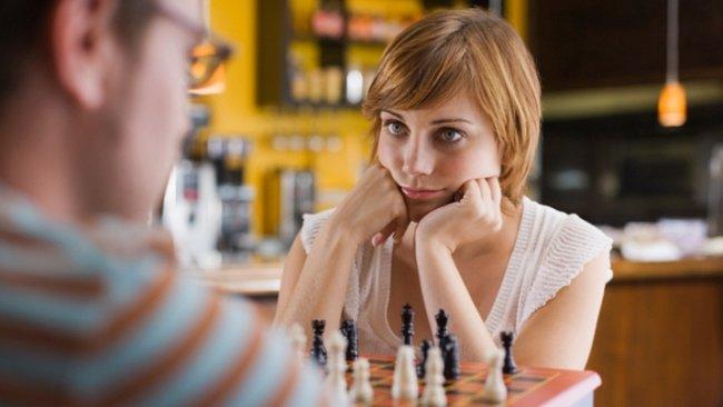 Ženy jsou inteligentnější než muži. Dokazuje to uznávaný odborník na inteligenci