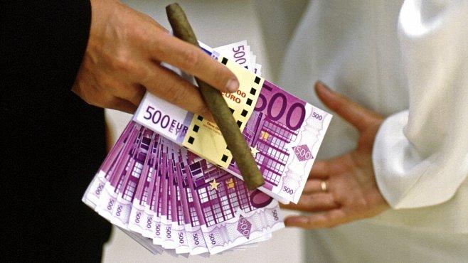 Dějiny korupce a úplatkářství: nejhorší skandály v historii