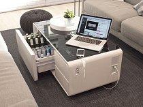 Luxus už dnes? Chytrý konferenční stolek dokonale vychladí pivo. Mezitím k němu můžete připojit a dobít telefon nebo si pustit hudbu ze zabudovaných reproduktorů.
