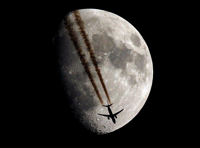 Společnost Moon Express, která chce ještě letos vynést na Měsíc soukromý modul, vznikla v roce 2010 jako start-up.