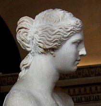 Venuše Mélská - mramorová socha ženy pocházející z období mezi lety 130 až 100 př. n. l. Byla objevena v roce 1820 na ostrově Mélu a dnes je v galerii v Louvru v Paříži.