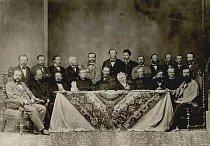 Učitelský sbor  vyšší státní reálky na  Jánské v školním roce 1864/65.  Mendel sedící druhý zprava.