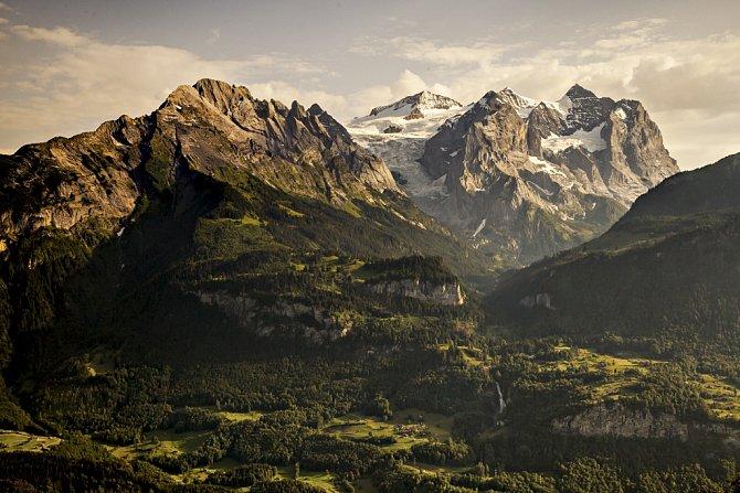 Malebná panoramata Jungfrau regionu