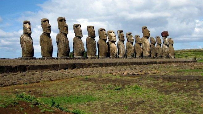Cestujeme s National Geographic: Velikonoční ostrov s badatelem Pavlem Pavlem