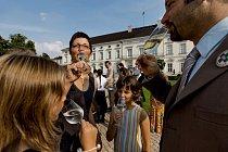 Německý prezident pořádá každé léto vzahradách zámku Bellevue, svém oficiálním prezidentském sídle, Bürgerfest neboli občanskou slavnost.
