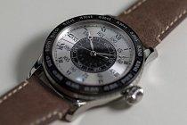 Na prvních leteckých hodinkách začal Lindbergh pracovat po přeletu Atlantického oceánu.