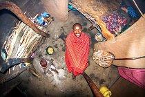 Masajského válečníka Ezekiela (22) objevil fotograf v keňské vesnici Manyatta.