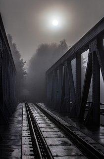Světlo na kolejích