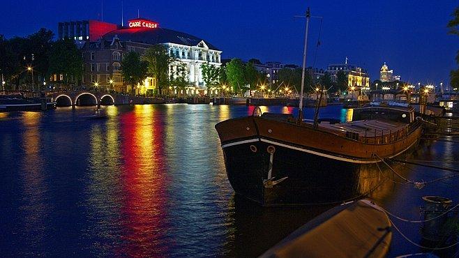 Hříšný Amsterdam v číslech. Kolik tam najdete kol a kolik národností nebo prostitutek?