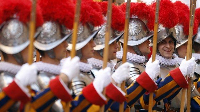 Švýcarská garda: nejvěrnější žoldáci v dějinách brání papeže už půl tisíciletí