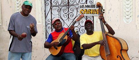 Kuba není jen o vlnících se snědých Kubánkách, flaškách rumu a voňavých doutnících! Lidé si tu umí život užít opravdu s nadhledem.